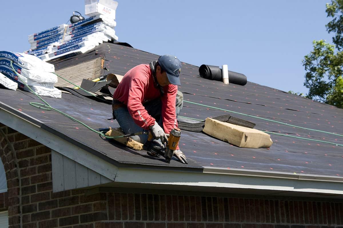 Memilih tukang atap rumah tepat