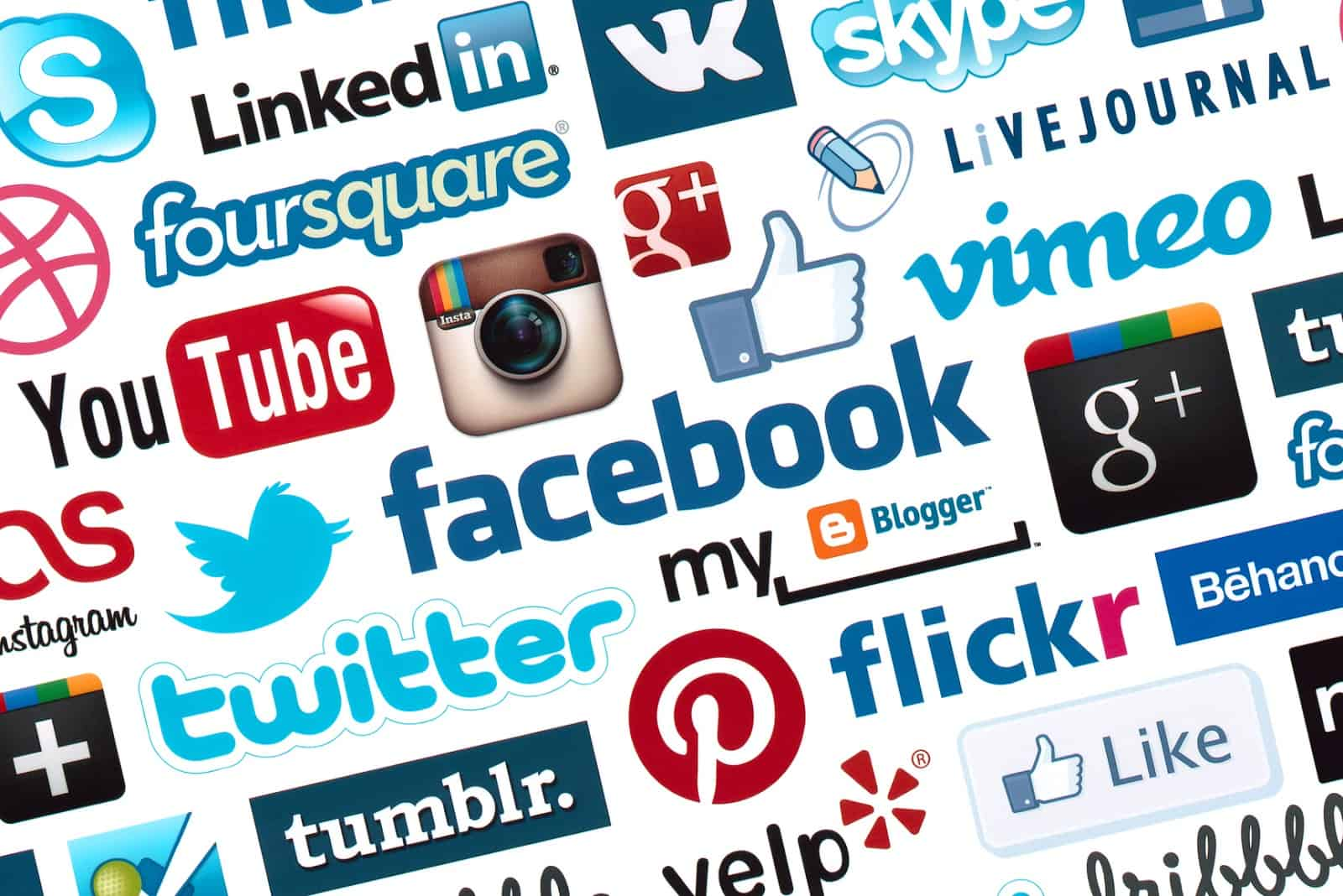 social media to generate leads